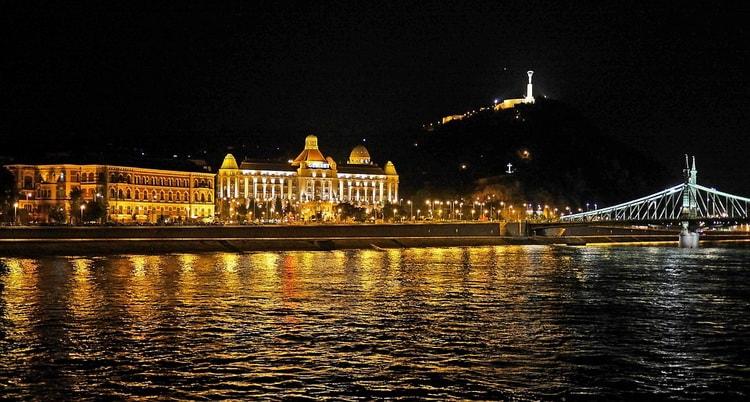 Достопримечательности Будапешта. Отель Геллерт