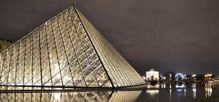 Достопримечательности Франции. музей Лувр