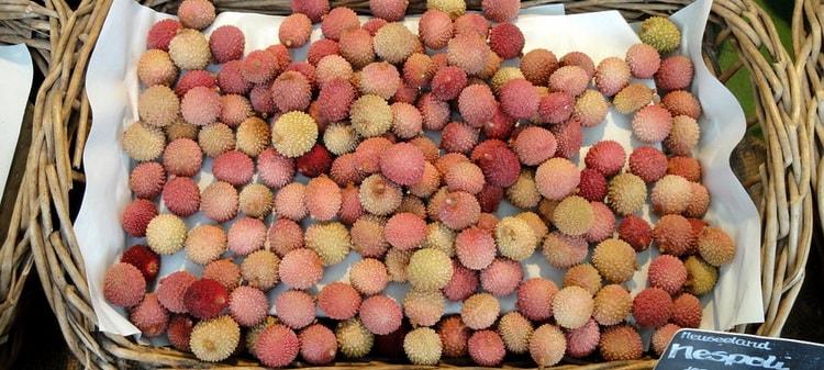 Личи. Экзотические фрукты купленные на рынке Бокерия в Барселоне